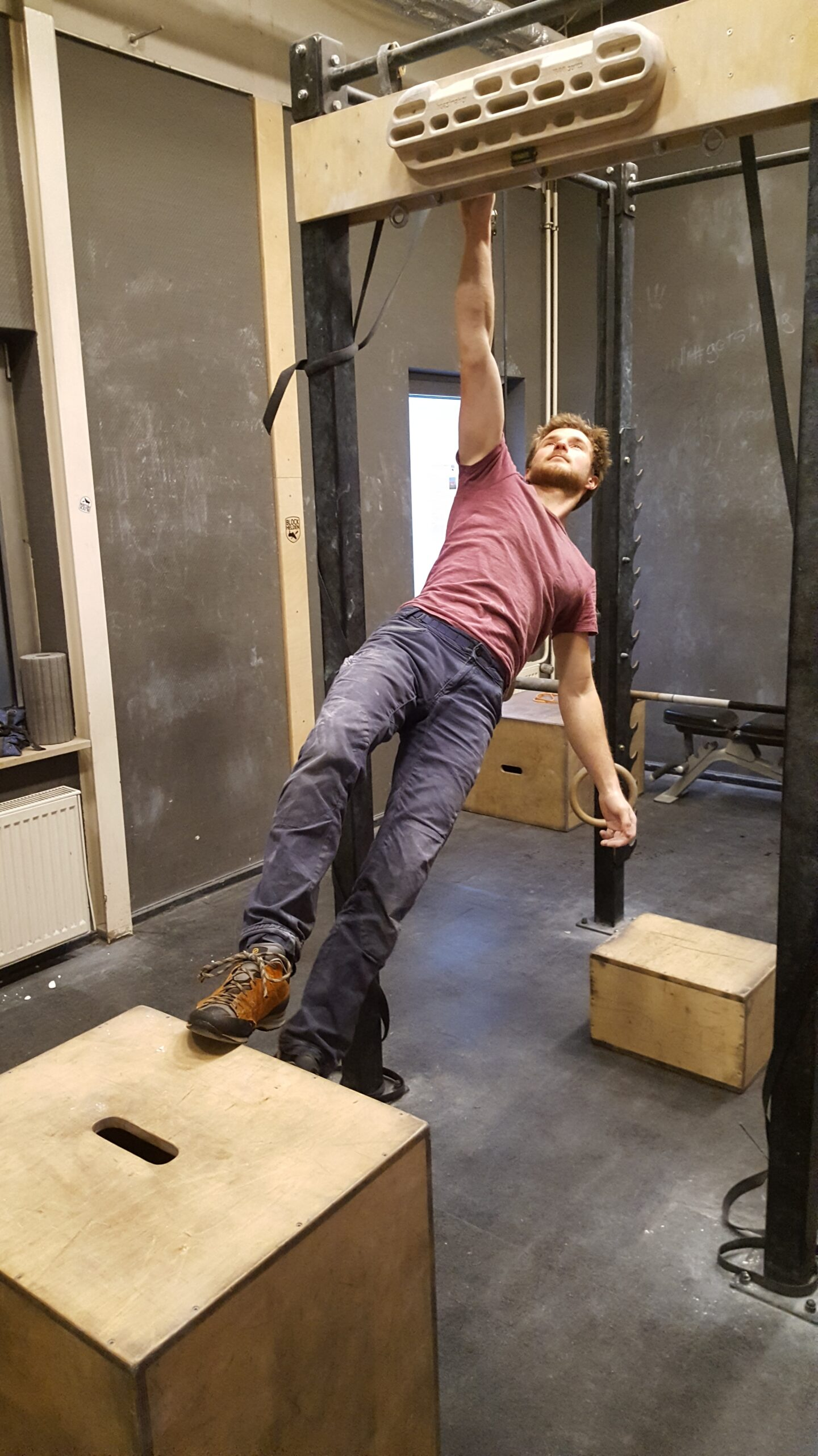 Maxi Karrer Übungen am Griffbrett, Krafttraining für Daheim