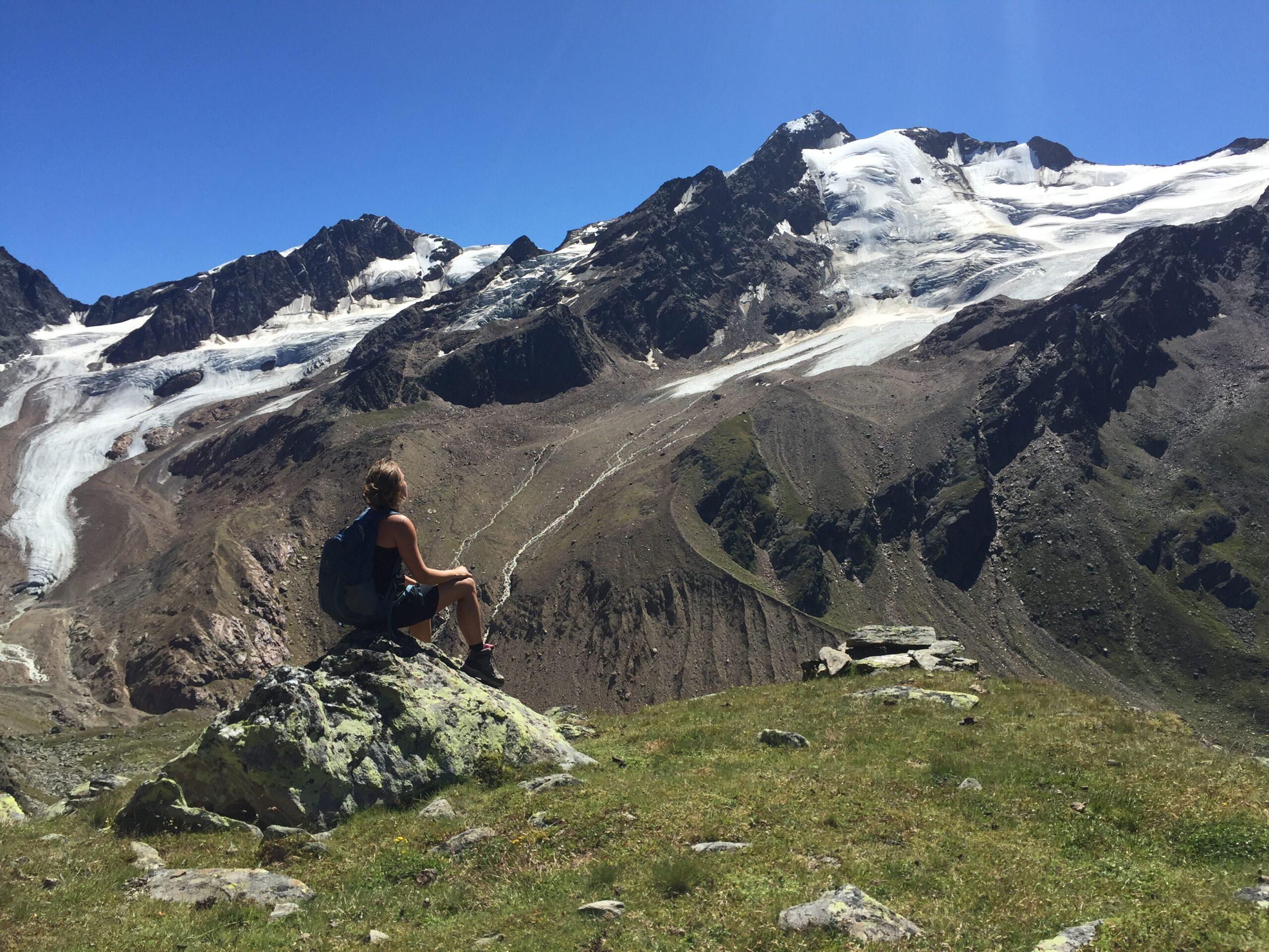 Luisa Roth Meditation in den Bergen