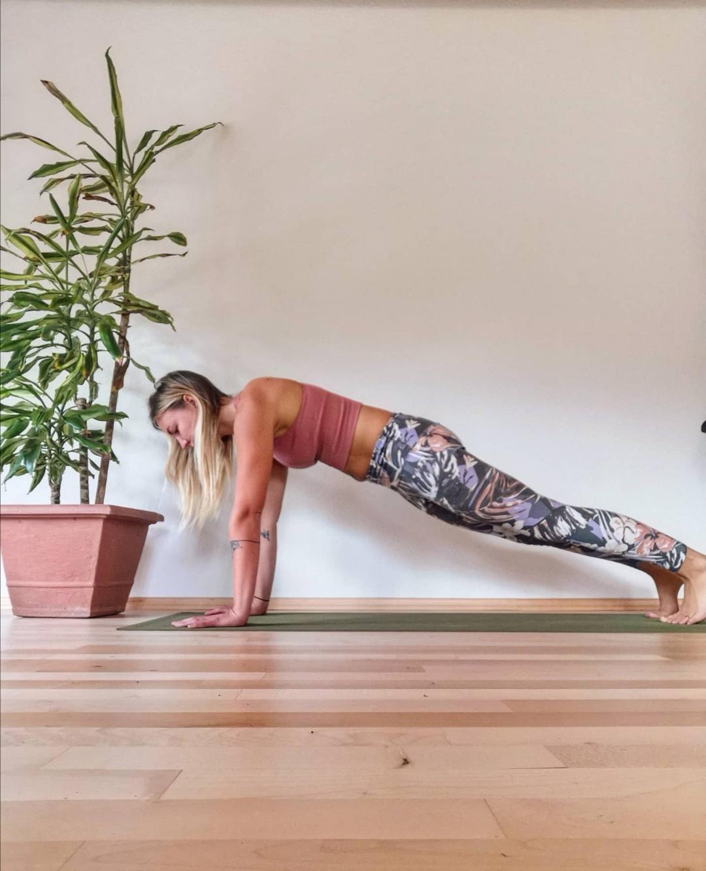 Tamara Lohr Plank Yoga