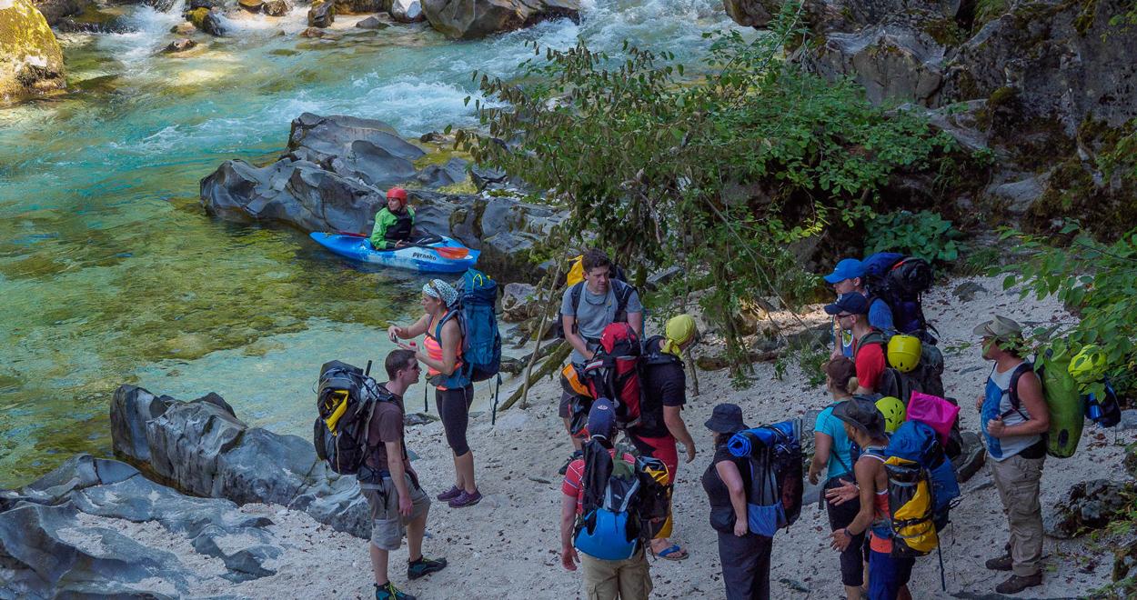 Packkrafting mit Land Water Adventures und Doghammer