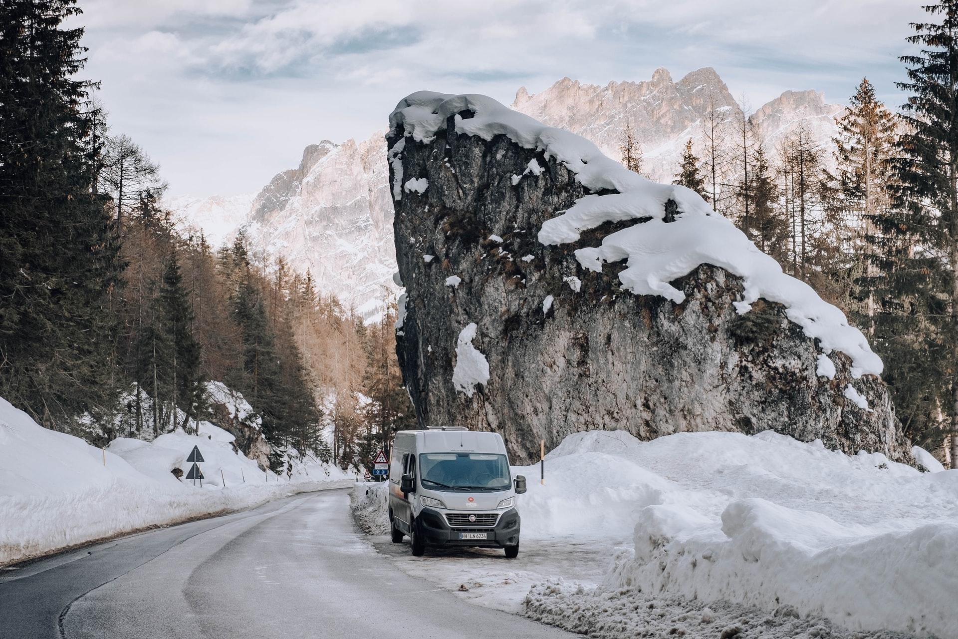 Vanlife im Winter. Leben im Van