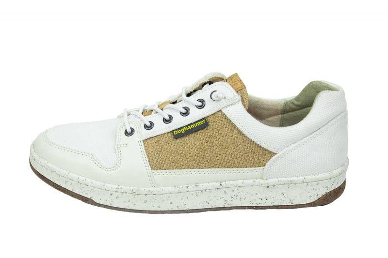 weiße sneaker aus kork produziert